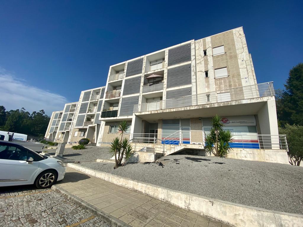 Apartamento T3 com terraço em Paço de Sousa, Penafiel