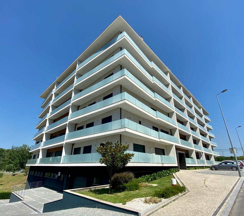 Apartamento T3 duplex em Paredes