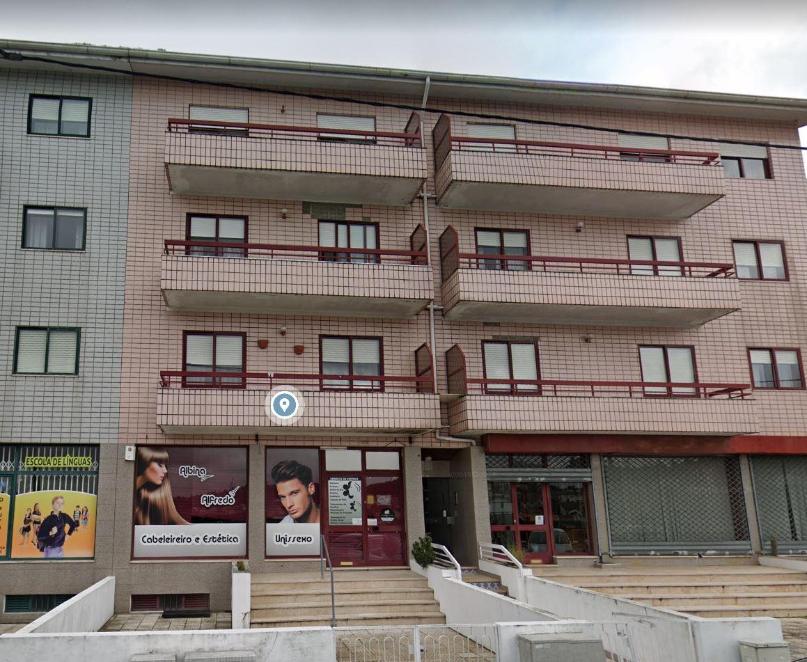 Apartamento T2 com terraço, Baguim do Monte