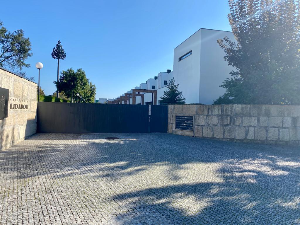 Moradia V4+1 condomínio fechado com piscina, em Moreira da Maia