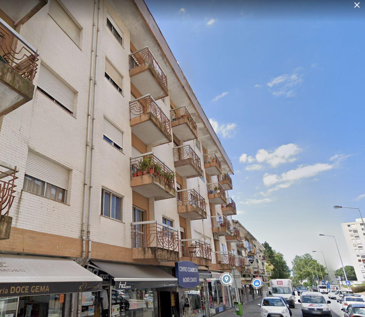 Apartamento T3+1 no centro de Gondomar
