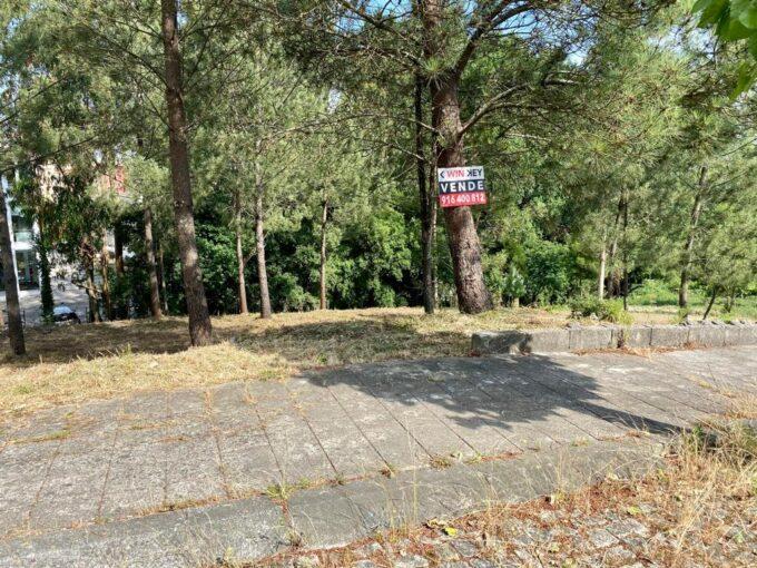 Lote de terreno em Valong Quinta da Lousa