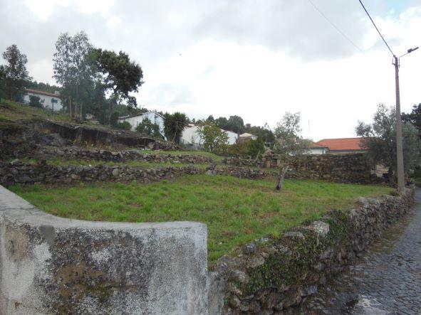 Casa e terreno Parada de Todeia_1