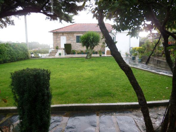 Casa e terreno Parada de Todeia_9